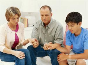 family-son-prays