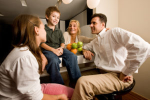 family-talking-in-kitchen_ieu7yh